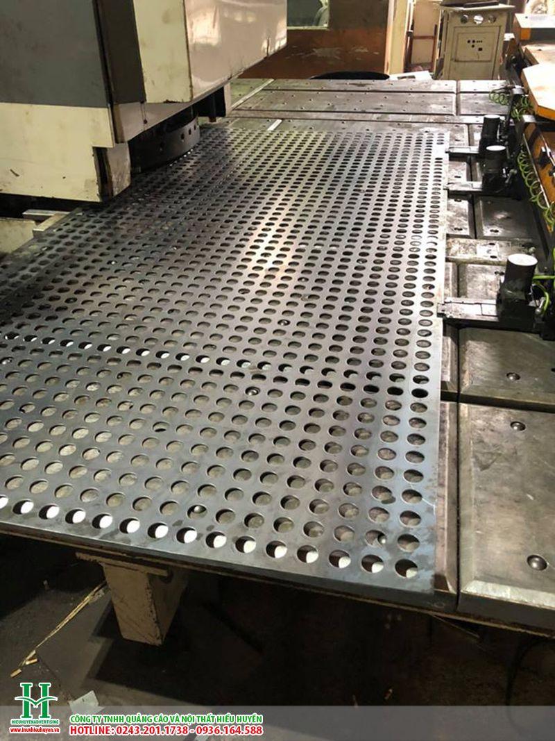 Cắt CNC trên sắt