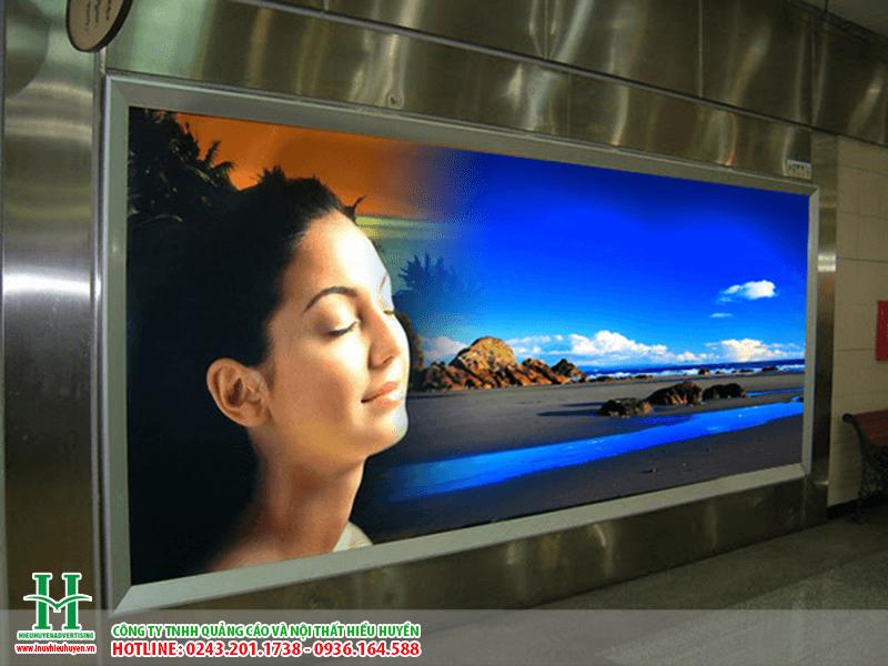 In UV trên backlit film sắc nét đến từng chi tiết